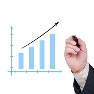 הגדלת מסגרת אשראי בנקאית בעסק או הלוואה בנקאית לעסק - מה עדיף?